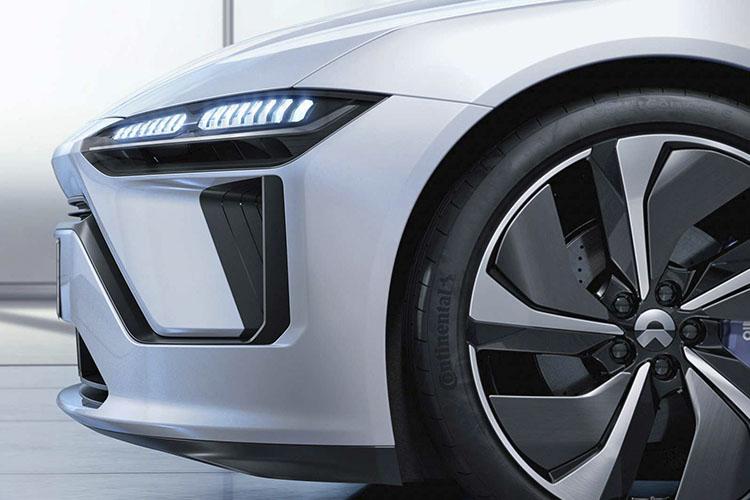 NIO ET Preview vehiculo 100% electrico llantas