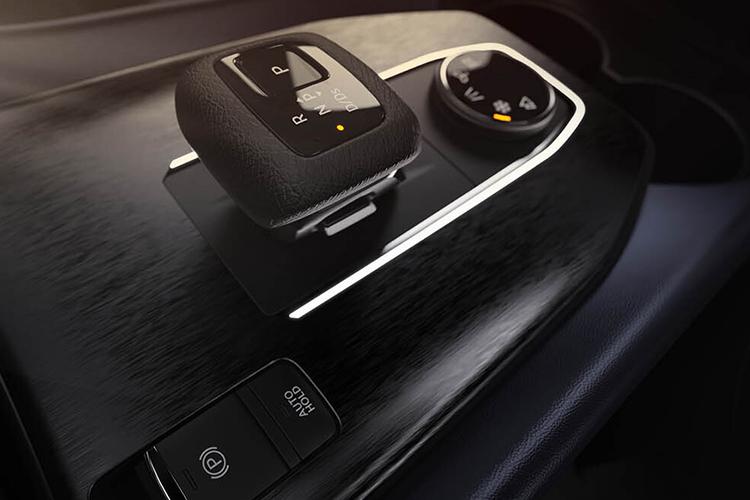 Nissan Qashqai aparecen las primeras imagenes del interior palanca de cambios