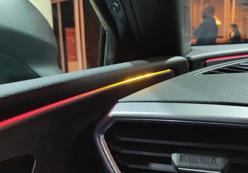 Nueva tecnología de Luz ambiental en el Seat León 2021 colores disponibles
