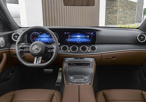 Mercedes-Benz con 20 comandos