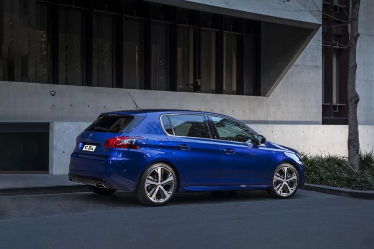 Peugeot 308 pierde cuadro de instrumentos debido a escasez de componentes precio disponibilidad modelos