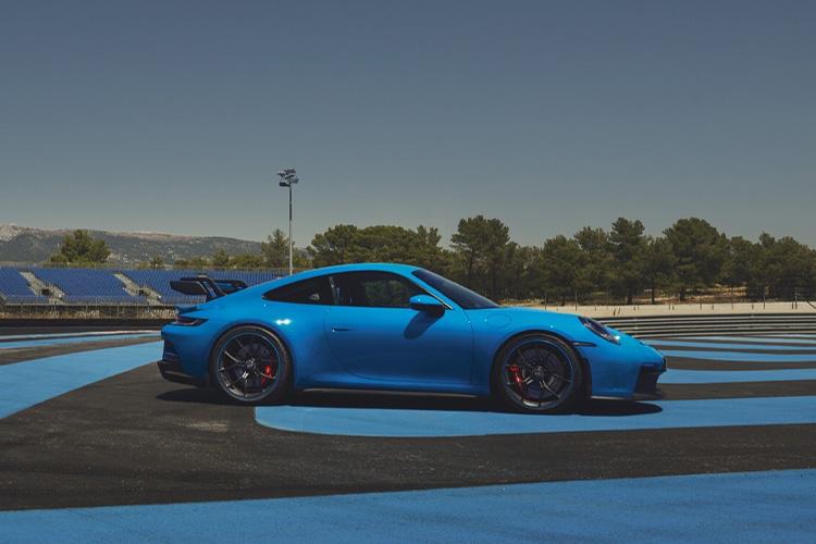 Porsche 911 GT3 rediseñado 2021 innovaciones tecnología