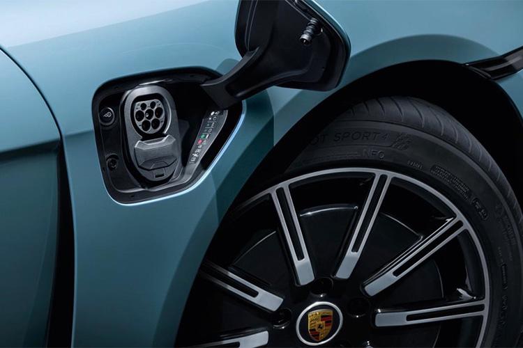 Porsche Taycan 4S totalmente electrico