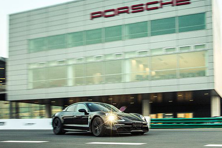 Porsche Taycan en pruebas de resistencia