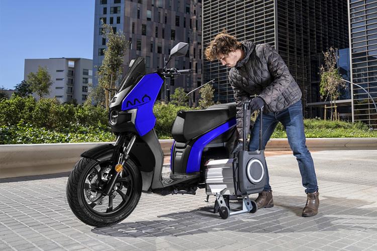 primer moto Seat totalmente eléctrica ya está disponible 3 colores de carrocería