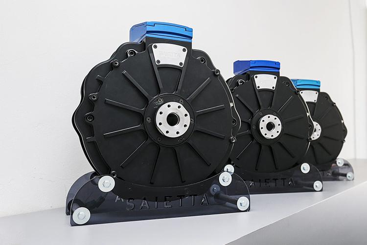 motos para enfocarse en motores eléctricos menor tamaño