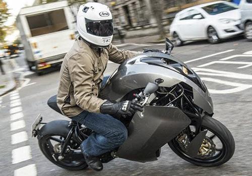 motos para enfocarse en motores eléctricos para todo tipo de transporte
