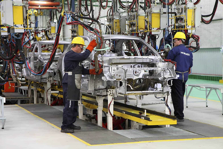 Industria Automotriz reanuda actividades el 18 de mayo