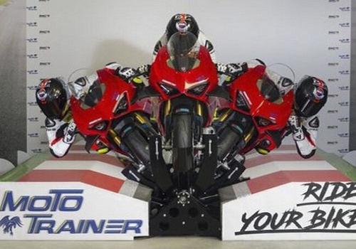 software entrenamiento profesional nuevo simulador disponibilidad motos