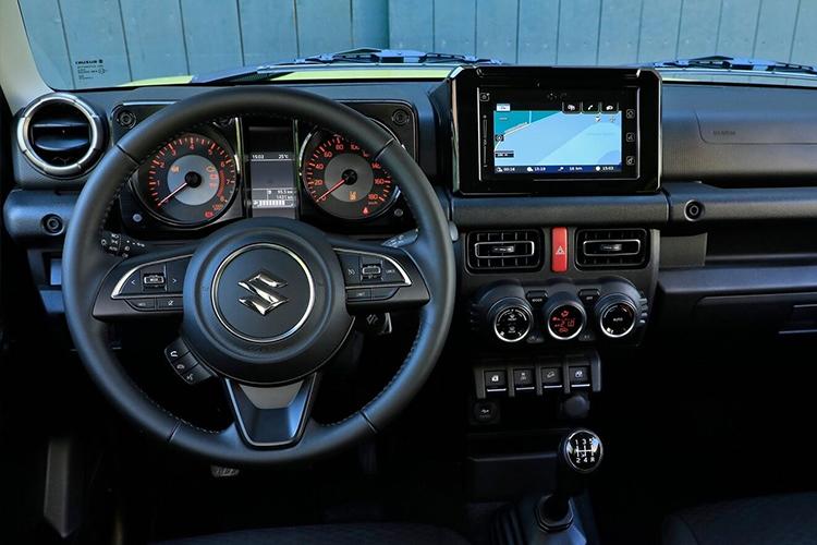 Suzuki Jimny off-road Sistema de infoentretenimiento