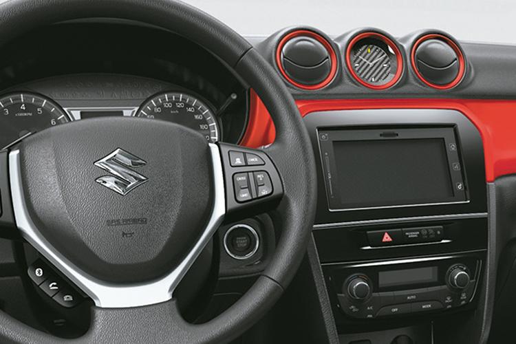 Suzuki Vitara Cristal sistema de infoentretenimiento