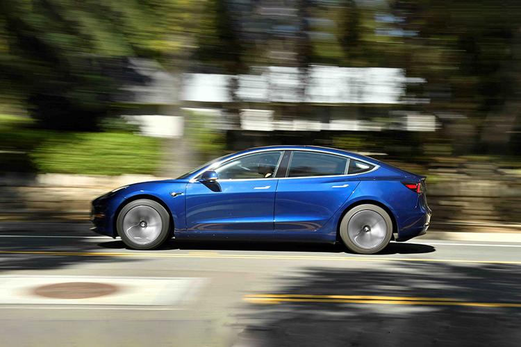Tesla aumenta su valor superando a Toyota - opciones de motor
