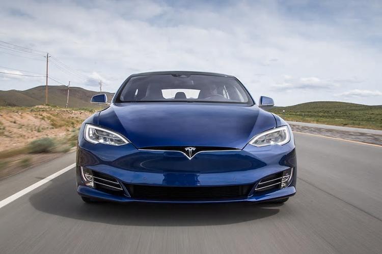 Tesla aumenta su valor superando a Toyota - tecnología