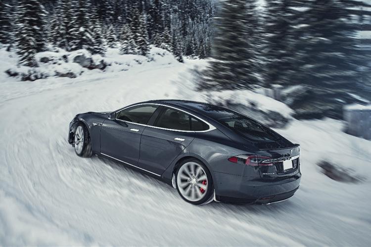 Tesla te permite comprar un auto con bitcoins modelos innovaciones tecnologia