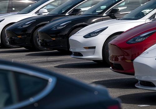 permite comprar un auto con bitcoins modelos precio conversión en dólares