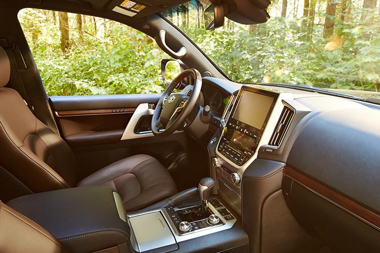 Toyota Land Cruiser se va de Norteamérica - interior