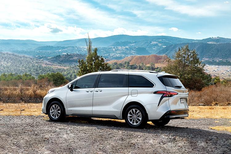Toyota Sienna 2021 híbrido diseño