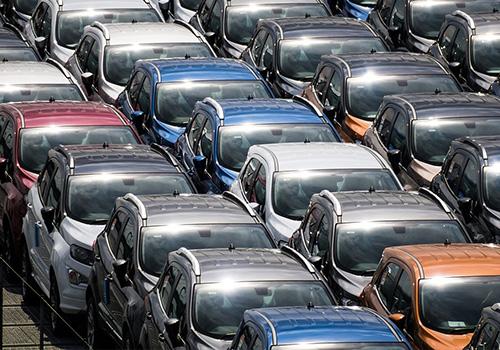 Venta de autos cae 64.5% AMIA