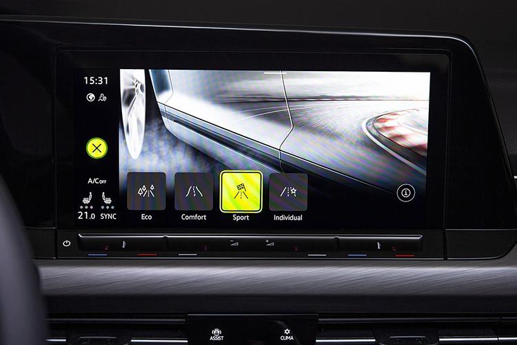 Volkswagen Golf 8 tecnologia we