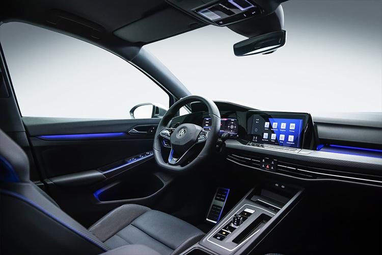 Volkswagen Golf R sistema de infoentretenimiento