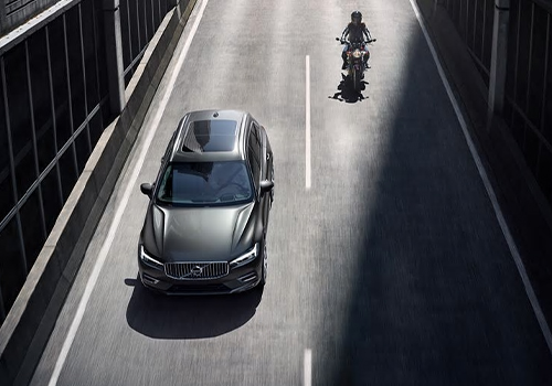 Volvo XC60 llega con variantes híbridas enchufables precio