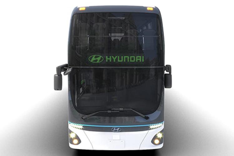 autobus electrico de Hyundai en Corea del Sur con dos pisos y rampa electrica para sillas de ruedas