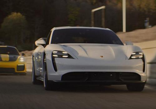 promocionarán en el Super Bowl Porsche Taycan totalmente eléctrico