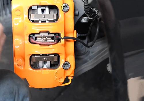cambio de discos Porsche Cayman GTS cableado