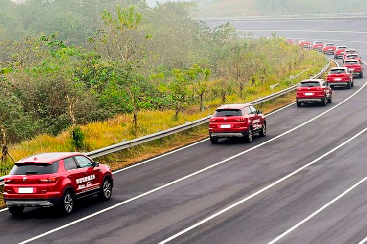 caravana record guiness 55 vehiculos autonomos