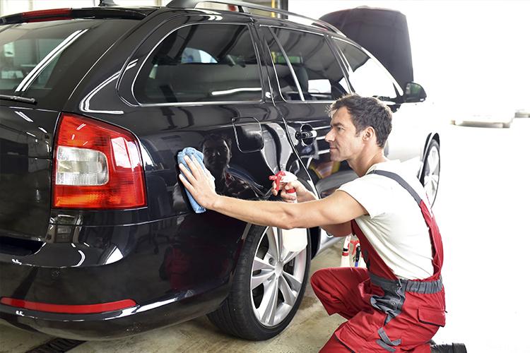 como desinfectar tu auto y eliminar el coronavirus lavado exterior