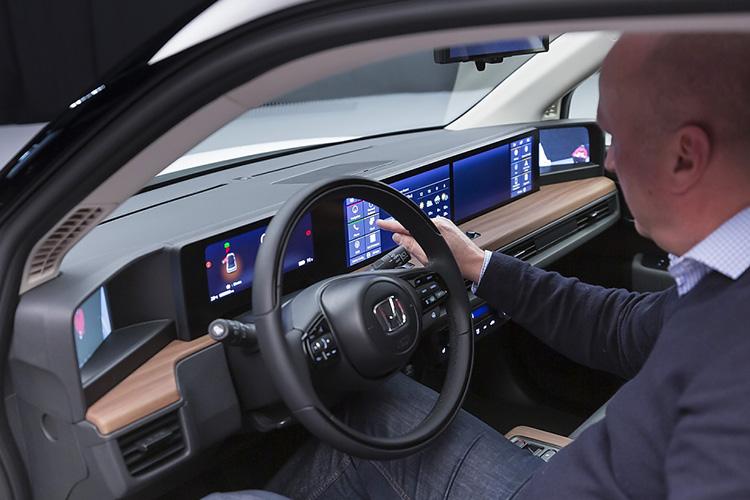 honda e y sus 5 pantallas innovacion y tecnologia