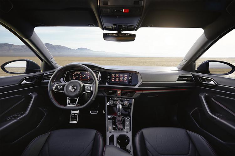 interior Volkswagen Jetta GLI 2019