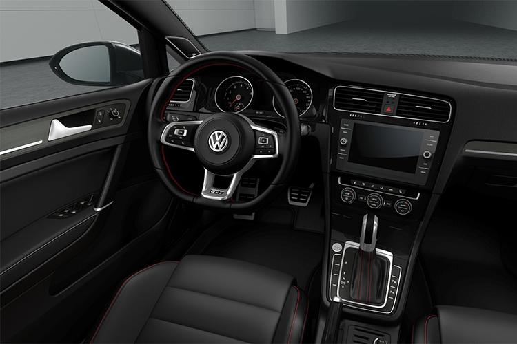 interior del Golf GTI México