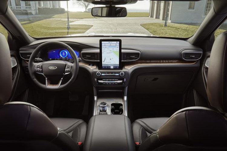 interior del ford Explorer 2020 version de lujo
