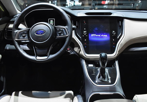 interior tablero de Subaru Outback 2020