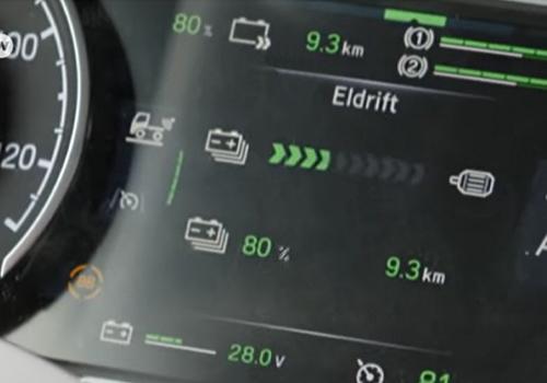 pantalla en camion hibrido scania de carga de energia
