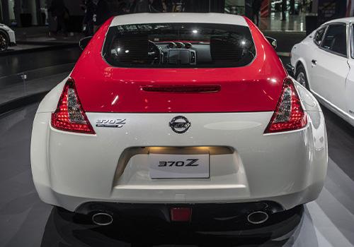 parte trasera del nissan 370Z edicio  especial