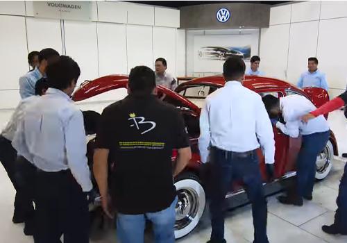 restauracion de annie el vocho vw sedan 1967 en la planta vw puebla volkswagen 11 meses