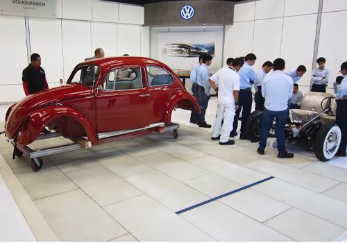 restauracion de annie el vocho vw sedan 1967 en la planta vw puebla volkswagen