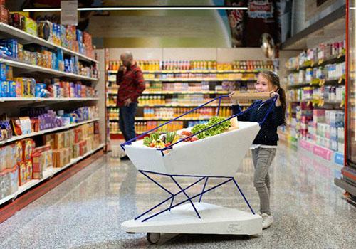 seguridad para niño y adultos_carrito de compras con tecnología precolisión