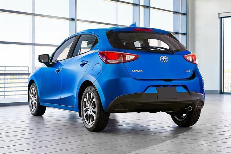 toyota yaris hatchback 2020 dos versiones