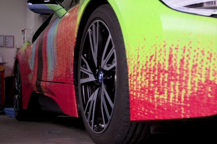 una pieza de arte colores