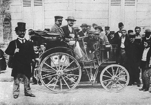 volante Mercedes-Benz evolución primeros modelos