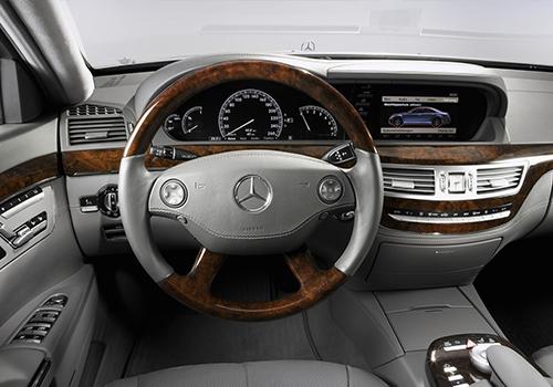 volante Mercedes-Benz evolución